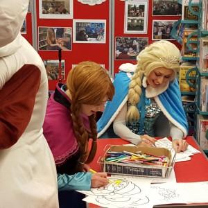 Anna and Elsa | Christmas Lights Switch on